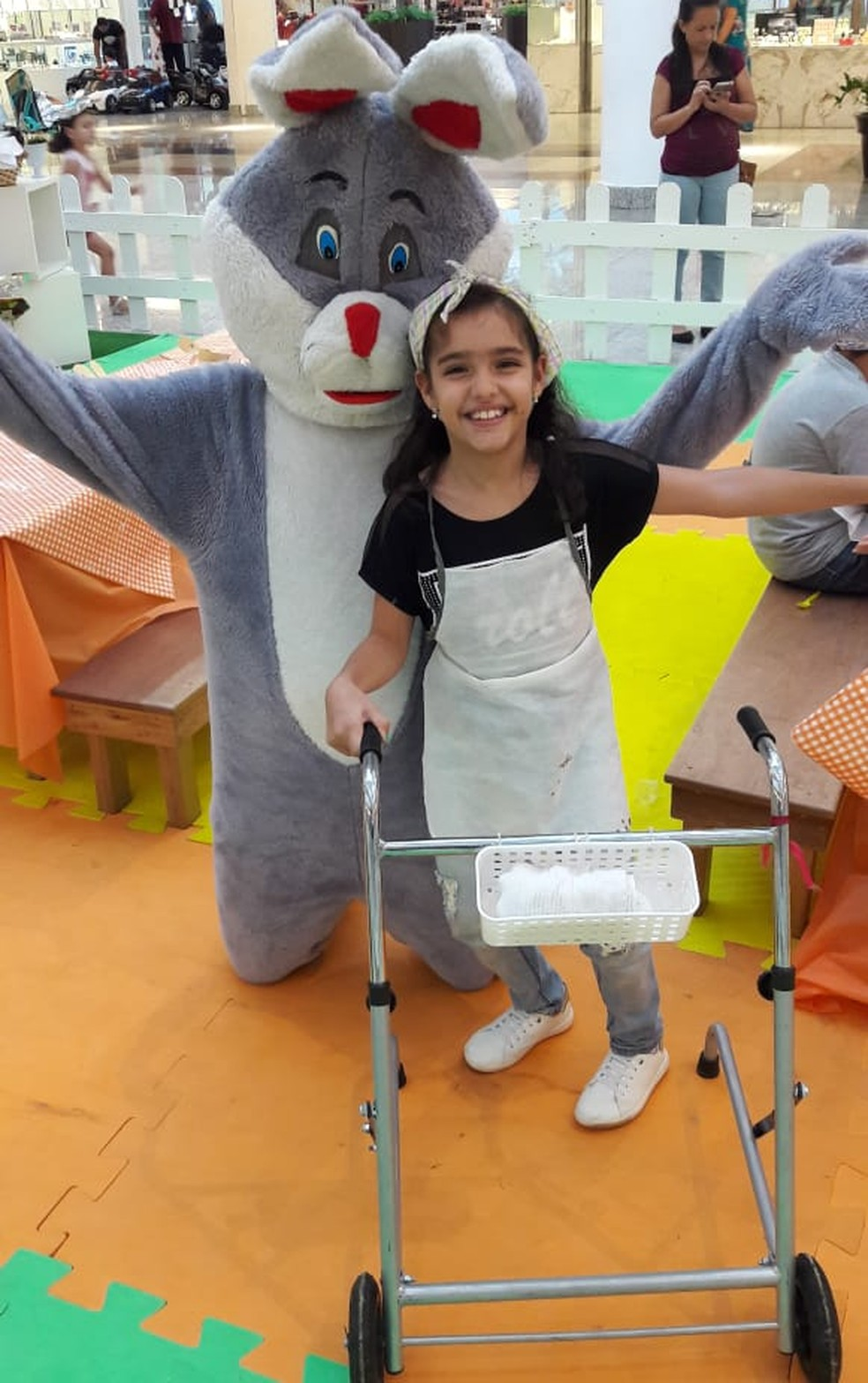 Isabela tem paralisia cerebral e precisa realizar procedimentos cirúrgicos — Foto: Arquivo pessoal