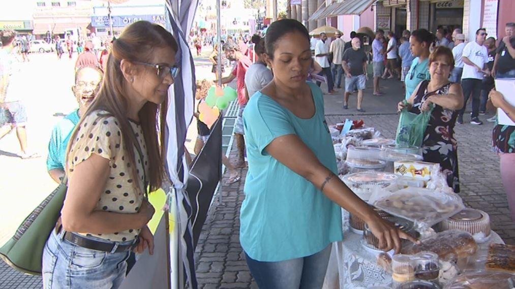 ONG de São Carlos vende sobremesas de Páscoa e ajuda menino de 2 anos com deficiência - Noticias
