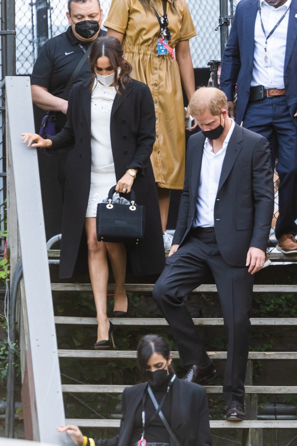 NEW YORK, NEW YORK - SEPTEMBER 25: Meghan Markle, Duchess of Sussex, and Prince Harry, Duke of Sussex, depart the Global Citizen concert in Central Park on September 25, 2021 in New York City. (Photo by Gotham/GC Images) (Foto: GC Images)