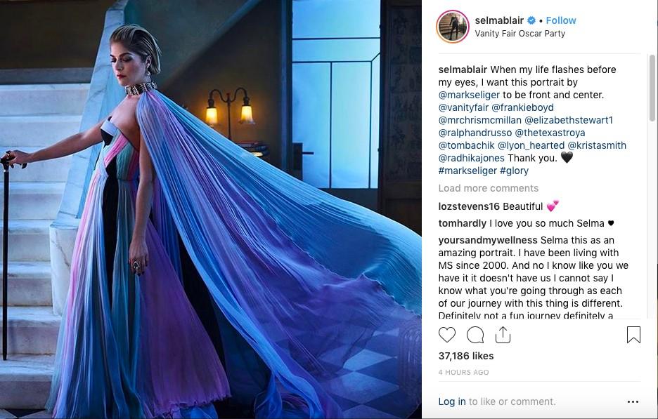 A foto compartilhada pela atriz Selma Blair no Instagram, feita na festa pós-Oscar da revista americana Vanity Fair, na primeira aparição pública da celebridade após revelar ter sido diagnosticada com esclerose múltipla (Foto: Instagram)