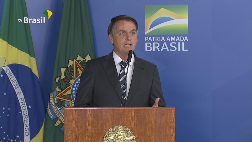 Presidente Jair Bolsonaro ao discursar em evento no Palácio do Planalto nesta terça-feira (30) — Foto: NBR/Reprodução