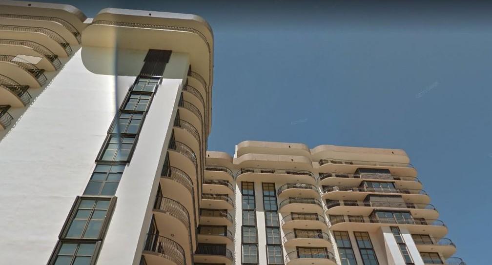 Fachada que colapsou de prédio em Miami Beach, em captura do Google Street View — Foto: Google Street View