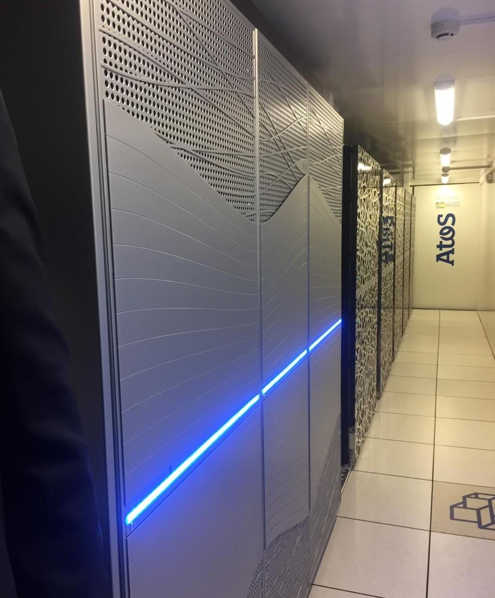 Supercomputador no LNCC em Petrópolis, RJ, é a maior plataforma computacional da América Latina — Foto: Aline Rickly/G1