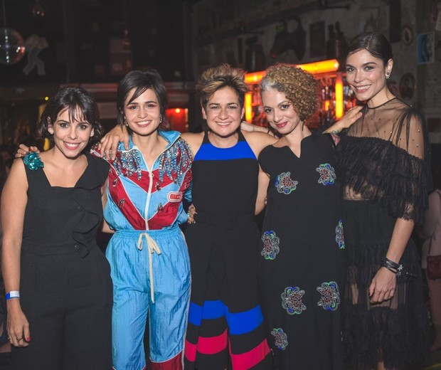 Dos mais lindos momentos deste ano de sororidade, com as queridas Maria Laura Neves, Nanda Costa, Lan Lahn e Laura Ancona na linda festa de Marie Claire  (Foto: Alexandre Virgilio)