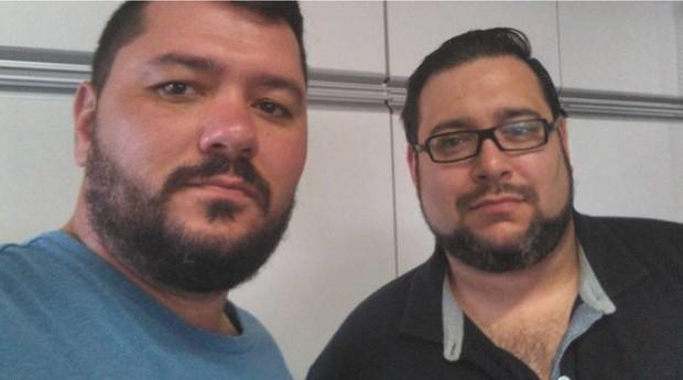 Reencontro: Nunes e Luciani em foto tirada após descobrirem que são irmãos (Foto: Reprodução)