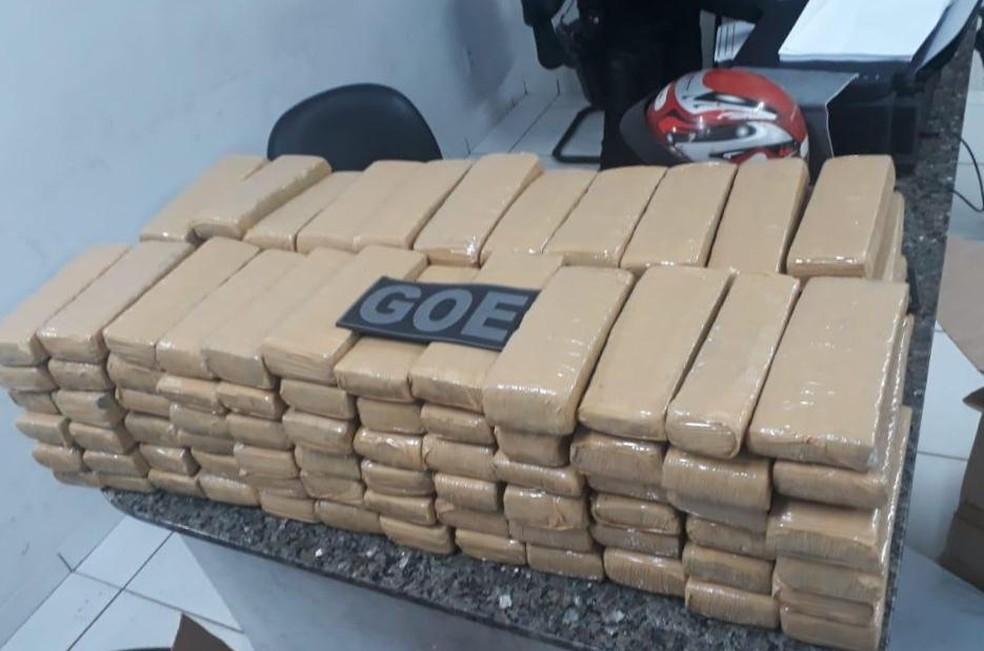 Cerca de 100 kg de maconha apreendida em Timon (MA) seriam distribuídos na cidade e em Teresina — Foto: Divulgação/ Polícia Militar