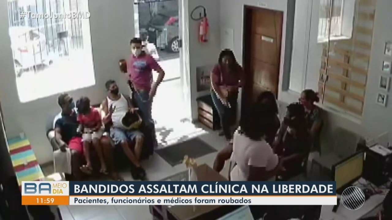 VÍDEO: Clínica odontológica é assaltada por dois homens no bairro da Liberdade, em Salvador