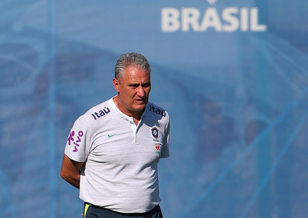tite treino brasil sochi (Foto: REUTERS/Hannah Mckay)