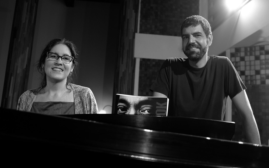 Mônica Salmaso dá voz a Milton Nascimento em gravação de estúdio com André Mehmari