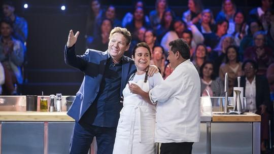 Kátia Barbosa fica surpresa com a presença da Chef Ana Bueno: 'Uma deusa da cozinha'