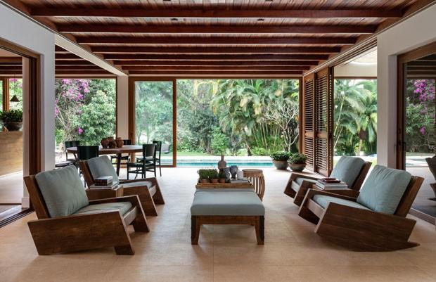 Uma casa de campo rústica com piscina e spa (Foto: Texto Vanessa D'Amaro Produção Aldi Flosi Fotos Evelyn Müller/ Divulgação)