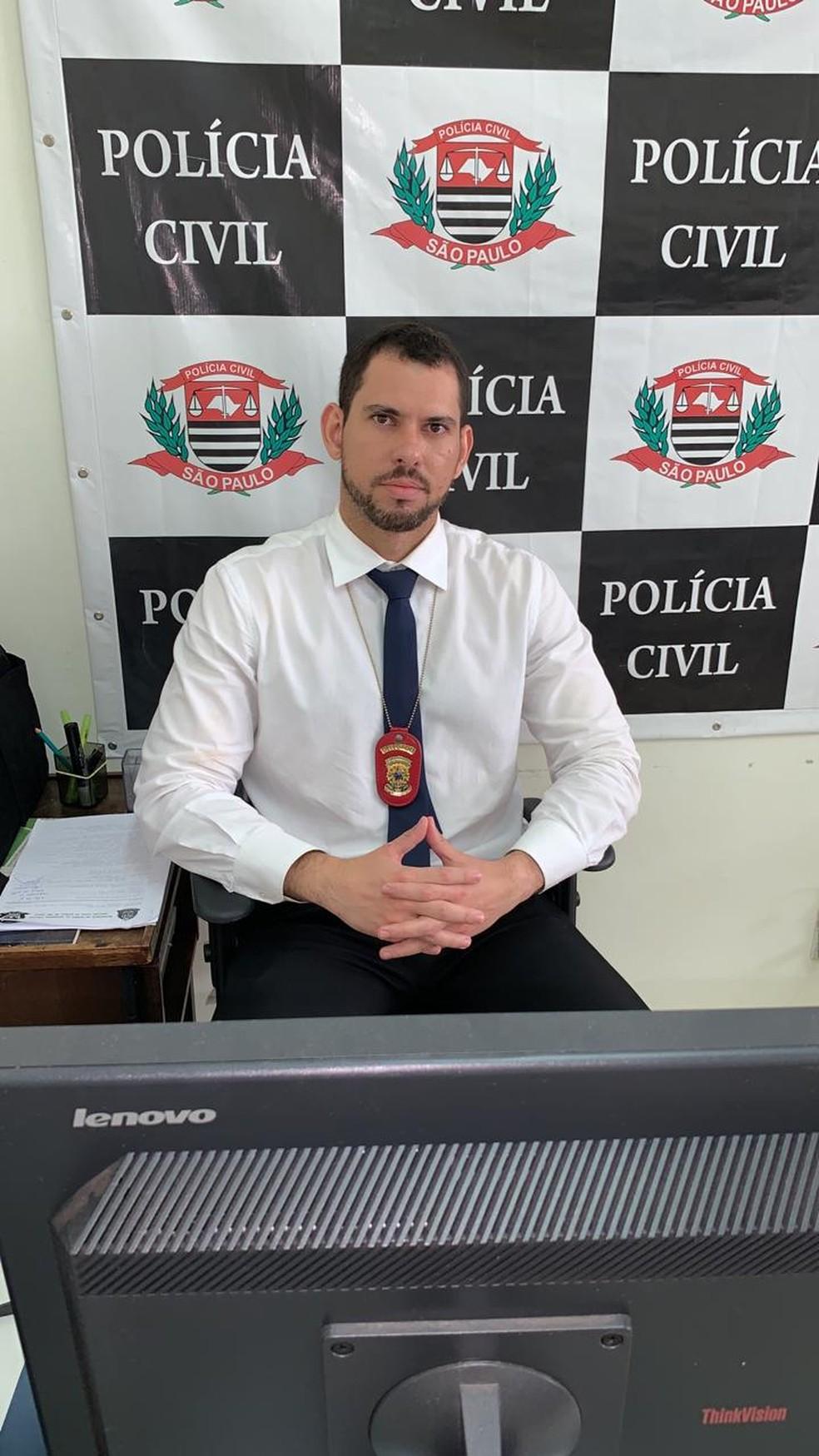 Delegado titular de Cândido Mota, Gustavo Barbosa de Siqueira é responsável pelas investigações do caso  — Foto: Polícia Civil / Divulgação
