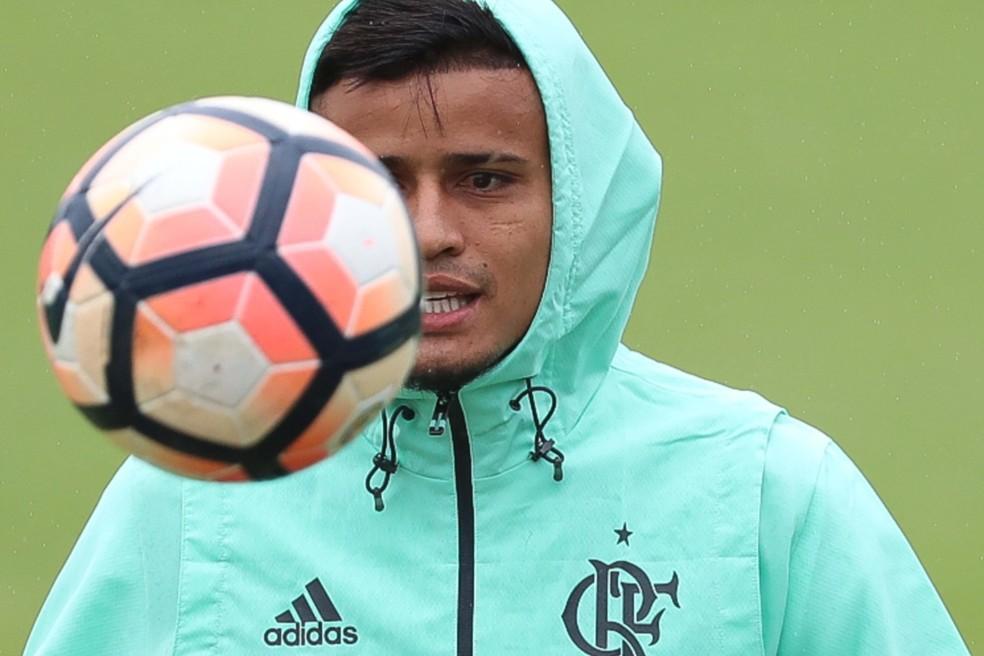 Everton assina rescisão e São Paulo paga multa ao Flamengo