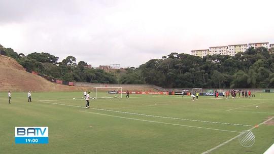Jogadores do Brasil treinam no Barradão após empate com Venezuela na Arena Fonte Nova