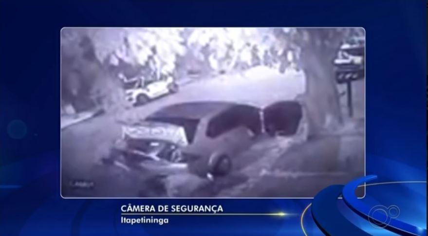 Câmeras de segurança registram fuga de criminosos após furto a hipermercado de Itapetininga; vídeo