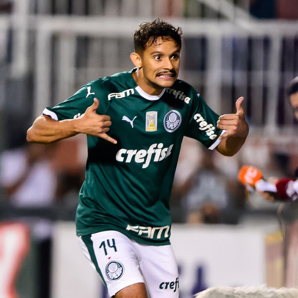 56c867a009469 Atuações do Palmeiras  Scarpa e Felipe Melo brilham em goleada ...