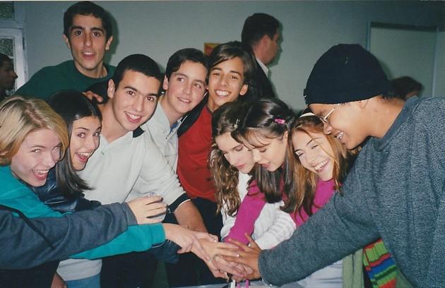 Os atores em um momento de diversão nos bastidores  (Foto: Arquivo pessoal)