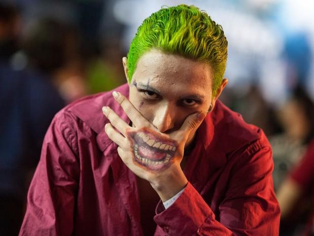 Cosplayer do personagem Coringa, da série Batman, durante a Brasil Game Show (Foto: Marcelo Brandt/G1)