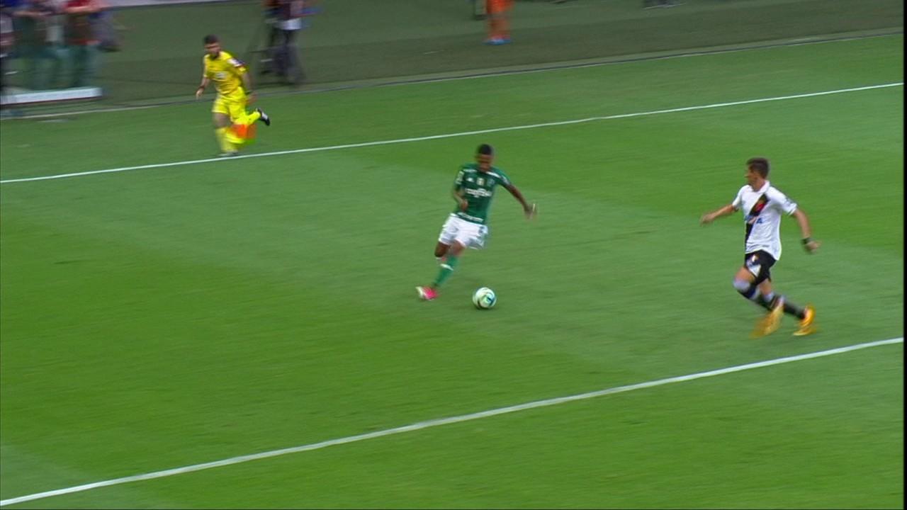 Em 2017, time de Cuca fez 4 a 0 no Vasco