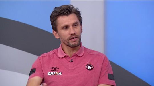 Paulo André fala sobre filosofia implantada por Fernando Diniz no Atlético-PR