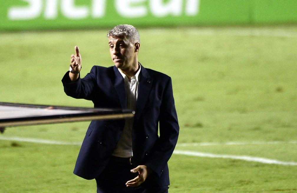 Crespo estreou no São Paulo contra o Botafogo — Foto: Marcos Ribolli