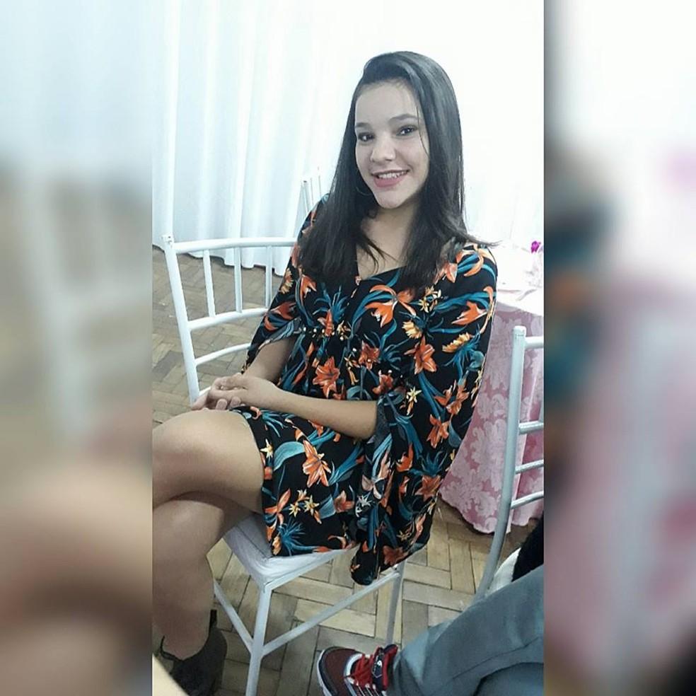Adolescente de 14 anos morreu após acidente (Foto: Reprodução/Facebook)