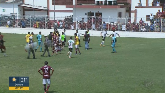 Eric Di Maria comemora 1º gol pelo Comercial e recebe elogios de Roberval Davino
