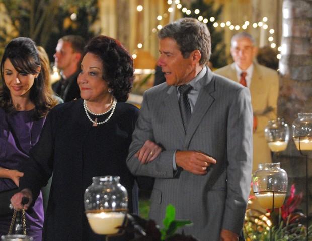 Lolita Rodrigues e José Mayer interpretaram mãe e filho em Viver a Vida (Globo, 2009), último trabalho da atriz na TV (Foto: Zé Paulo Cardeal/TV Globo)
