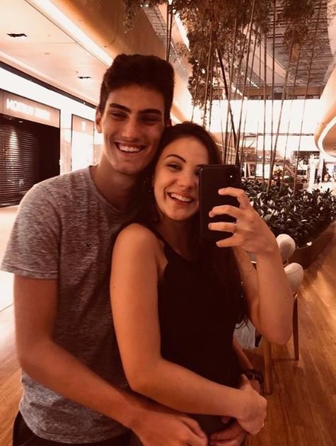 Giovanna Rispoli e o namorado, Felipe (Foto: Reprodução / Instagram)