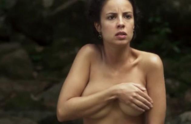 Andreia Horta também fez sequências de nudez em 'Liberdade, liberdade' (Foto: Reprodução)