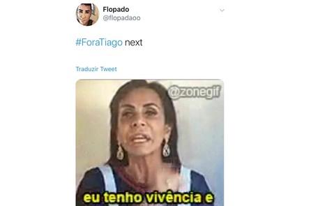 Meme com os pedidos da saída do apresentador Tiago Leifert do 'Big Brother' Reprodução/Twitter