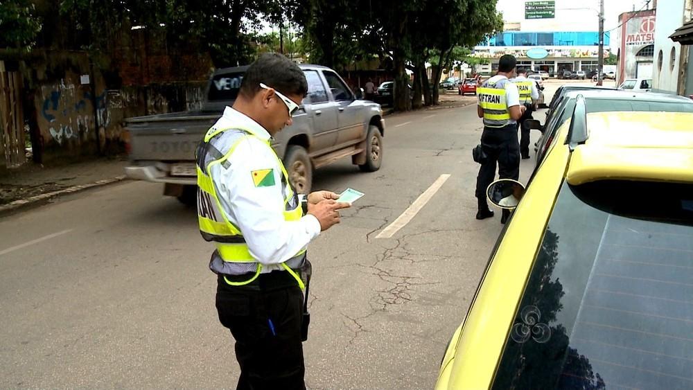 Detran notifica quase 2 mil motoristas por infrações de trânsito  - Noticias