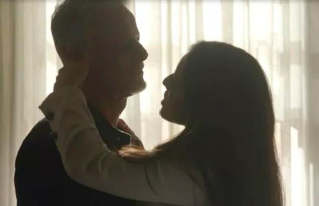 Laura não permanecerá presa pela morte de Gabriel e assumirá os negócios do pai. Ela continuará sendo amante de Sampaio (Marcello Novaes) (Foto: TV Globo)