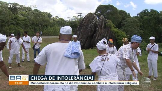 Religiosos fazem protesto contra intolerância religiosa na Pedra de Xangô, em Salvador