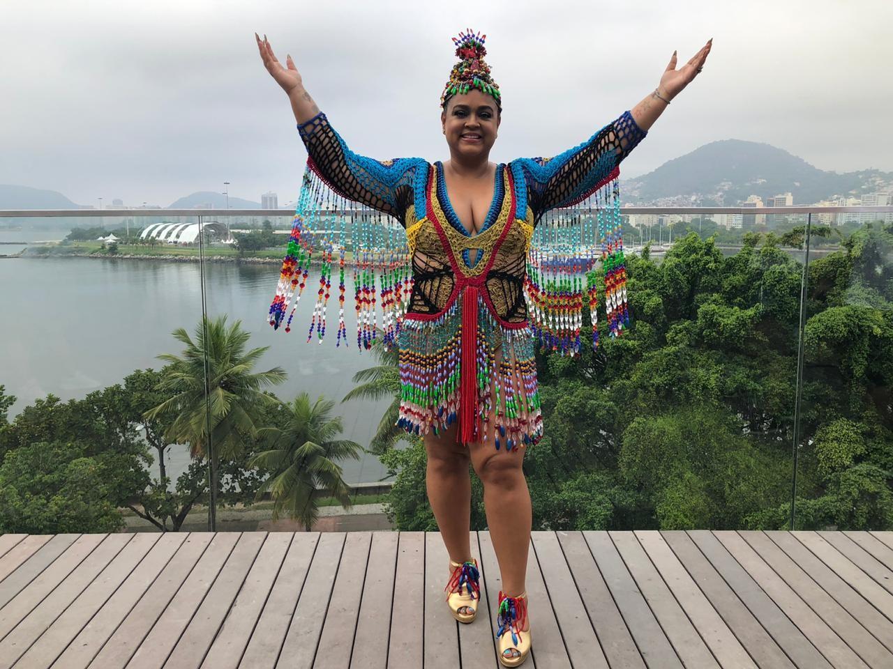 Exaltasamba, Preta Gil e mais de 20 blocos agitam carnaval em Caraguatatuba