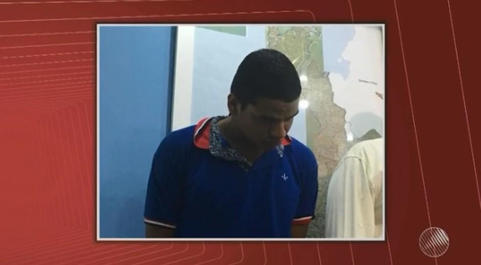 João Neto havia sido preso em dezembro pela morte do comerciante no Jardim Cruzeiro (Foto: Reprodução/ TV Bahia)