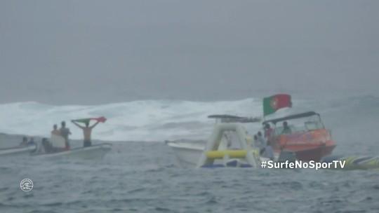 Com ondas pesadas e temporal em Fiji, Mineirinho, Italo e Medina vão ao 3º round