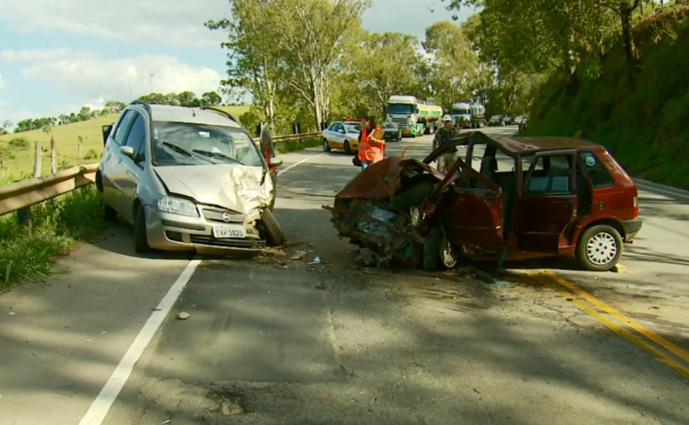 BR-491, entre Varginha e a Fernão Dias, costuma registrar graves acidentes (Foto: Reprodução EPTV)