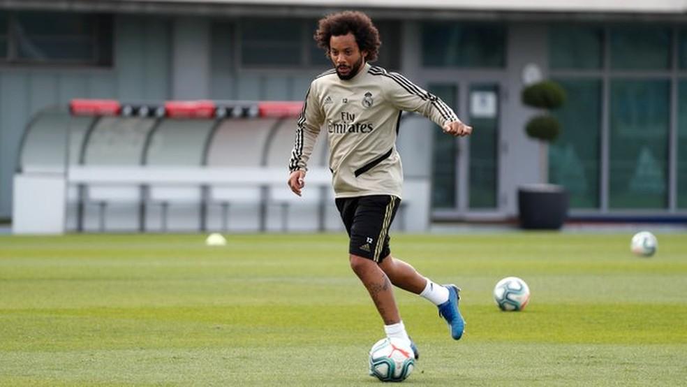 Marcelo treinando no CT de Valdebebas nesta segunda-feira — Foto: Divulgação/Real Madrid