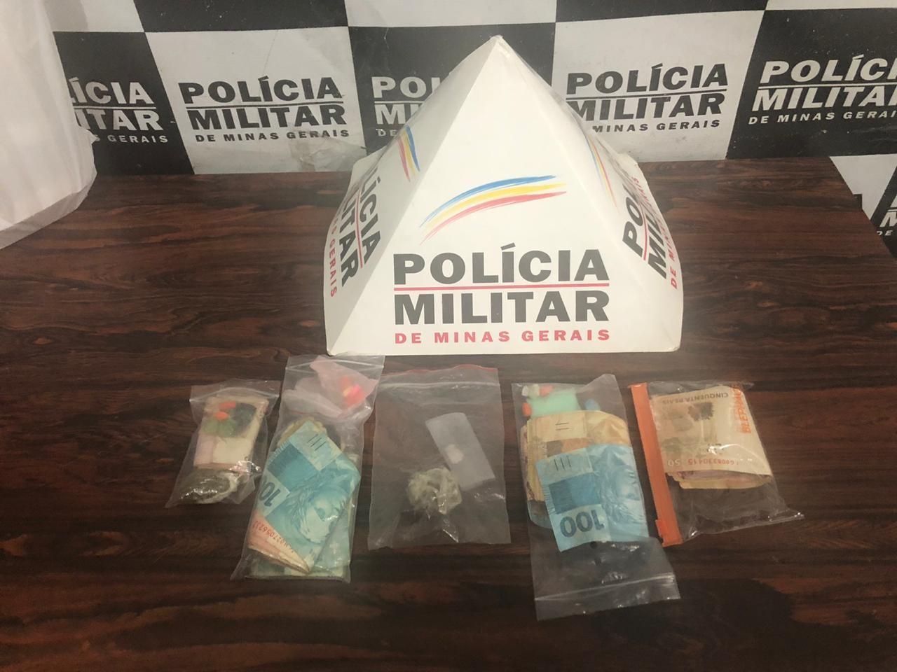Seis jovens são presos por tráfico de drogas sintéticas a caminho de rave em Divinópolis
