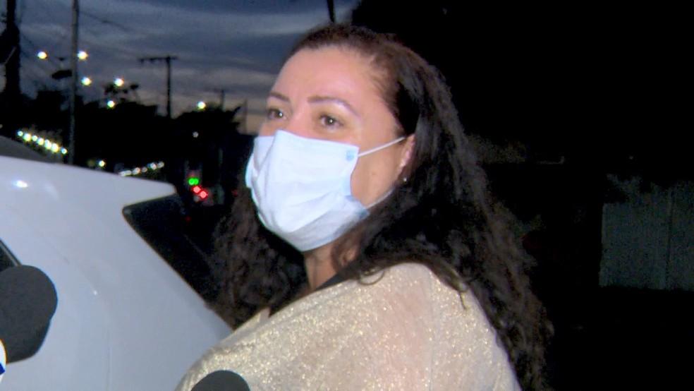 Adriana Bernini foi liberada para sair do hotel, em Vitória — Foto: Reprodução/TV Gazeta
