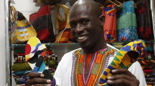 Ousmane Mabaye tinha uma vida confortável no Senegal, mas decidiu empreender no Brasil (Foto: Agência O Globo)