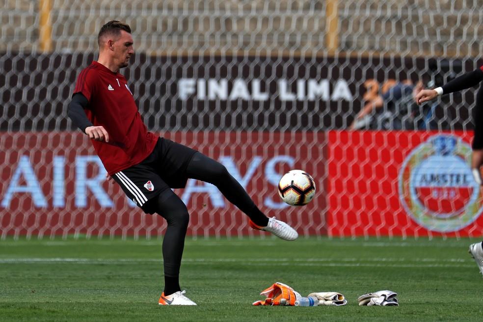 Goleiro Armani pode retornar ao River Plate contra o Fluminense — Foto: EFE/Antonio Lacerda