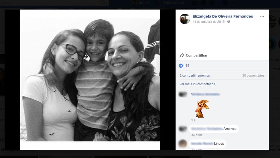 Mãe, filha e filho eram de Catolé do Rocha, na Paraíba, e morreram em acidente na BR-251, em Grão Mogol, Minas Gerais (Foto: Reprodução/Facebook/Elizângela de Oliveira Fernandes)