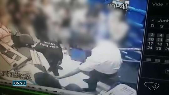 Criminosos com camisa da Polícia Civil roubam cofre e clientes de farmácia no ES