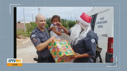 'PM Noel' entrega presentes após policiais adotarem 200 cartinhas de Trabiju e Boa Esperança do Sul