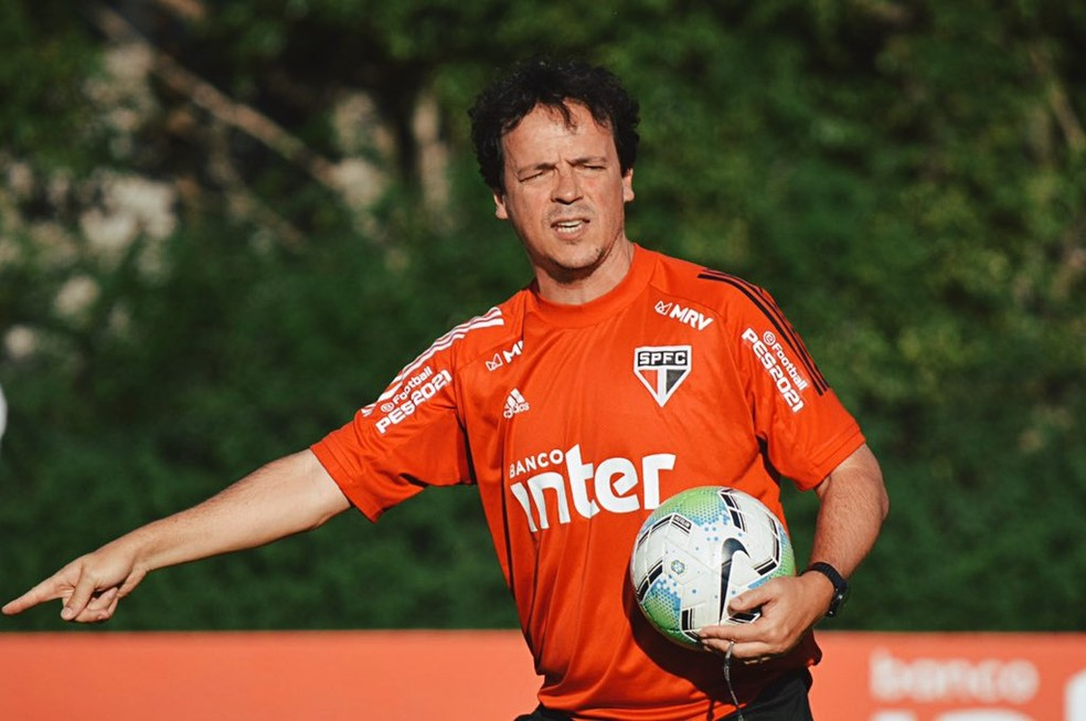 Fernando Diniz em treino do São Paulo — Foto: Divulgação São Paulo