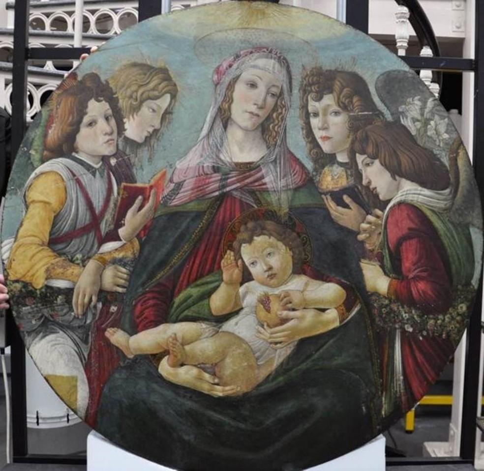 A obra de arte durante o trabalho de restauração — Foto: ENGLISH HERITAGE