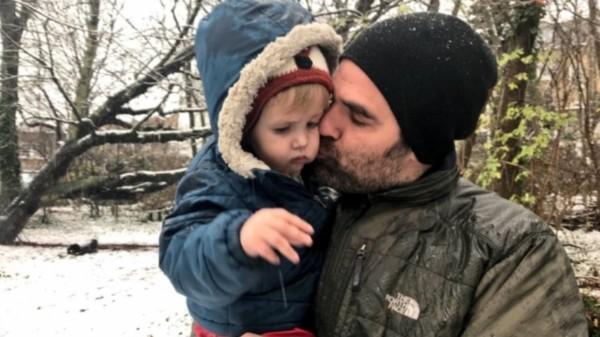 Delaney com o filho Henry, que morreu em janeiro (Foto: Divulgação)