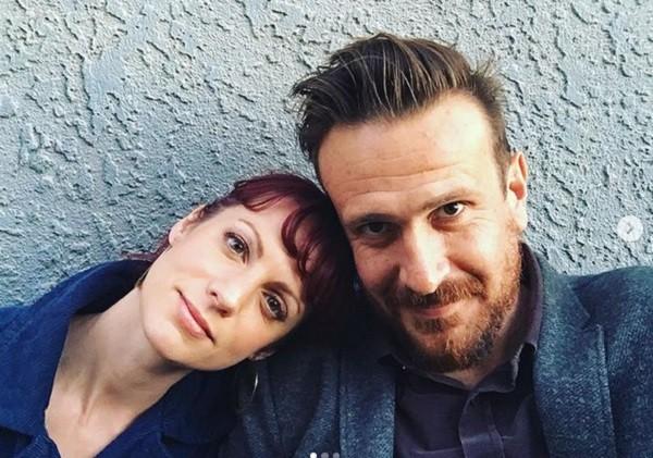A artista plástica Alexis Mixter e o ator Jason Segel namoraram por oito anos (Foto: Instagram)